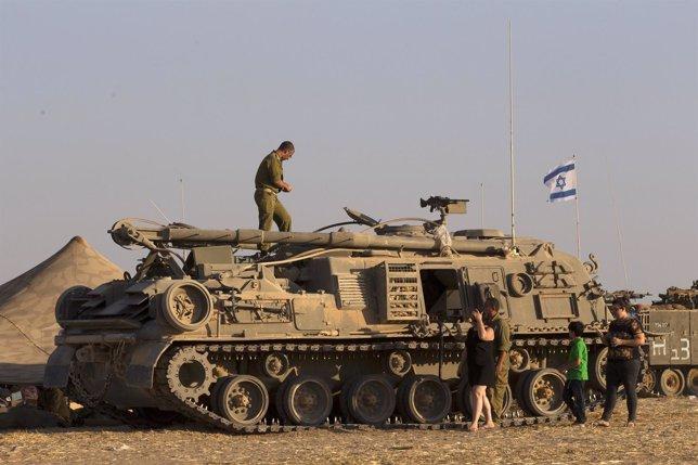 Militares israelíes en la Franja de Gaza