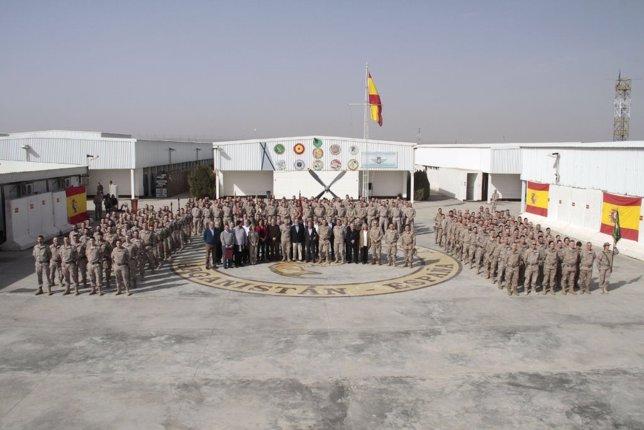 Visita de diputados y senadores al contingente español en Herat