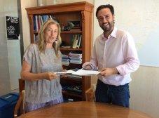 Convenio, edil Raúl Jiménez y la presidenta de la Ptectora de Animales