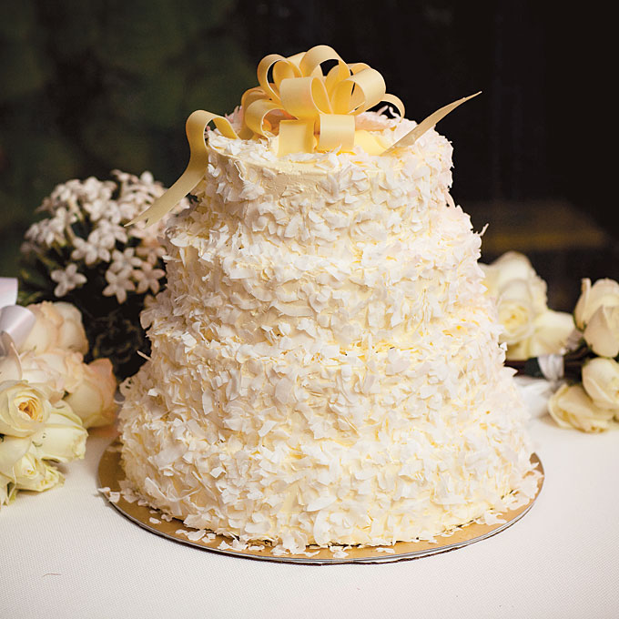 20 Best Wedding Cake Flavors and Ideas for Different Seasons     Best Wedding Cake Flavors  Innovation and Ideas for Different Seasons