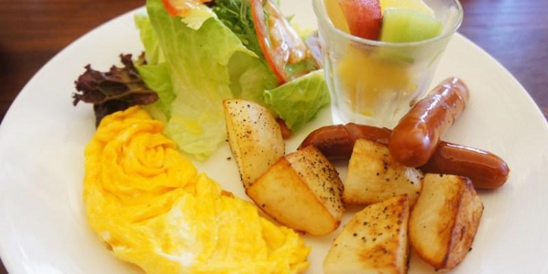 [台中早午餐]西區∥森製菓the table~充滿麵包香的木質系小餐館 近國美館 綠意盎然舒適悠閒 適合約會也適合聚會