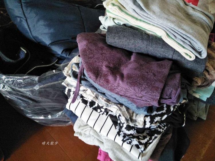 斷捨離 每天丟掉一件東西~十公斤的衣服bye-bye 送進衣物回收箱吧!
