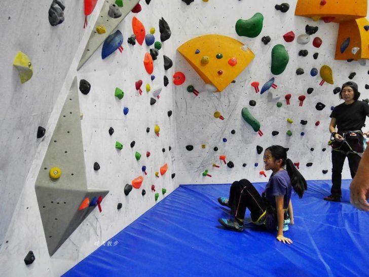 20190102164919 85 - 熱血採訪|第一次親子攀岩體驗就上手,台中約200坪空間的Dapro室內攀岩場