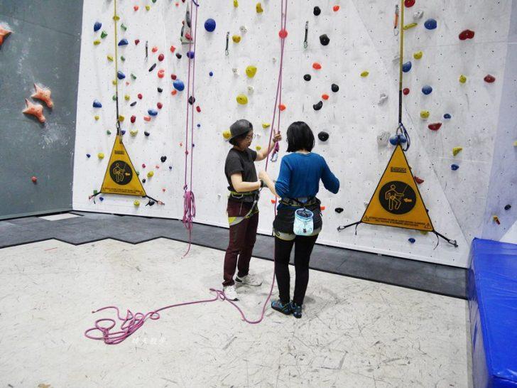 20190105135557 68 - 熱血採訪|第一次親子攀岩體驗就上手,台中約200坪空間的Dapro室內攀岩場