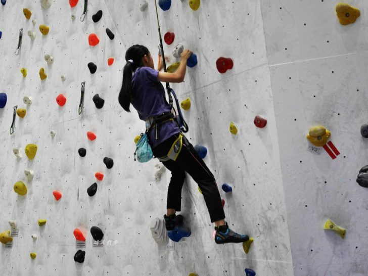20190105135659 67 - 熱血採訪|第一次親子攀岩體驗就上手,台中約200坪空間的Dapro室內攀岩場