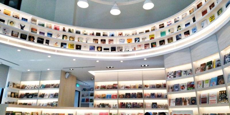 益品書屋EP-BOOKS台中館~在不賣書的益品書屋喝咖啡讀好書 美學、飲食、生活、旅遊、童趣