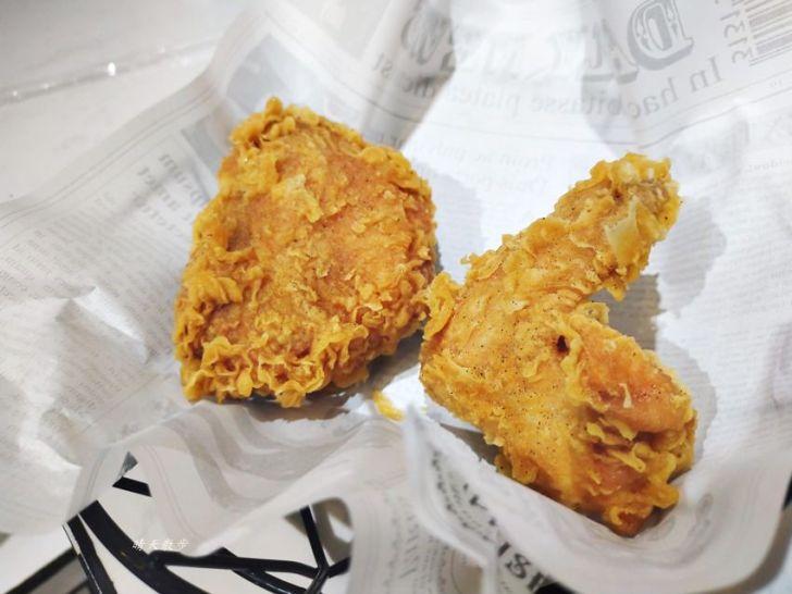 20200331225944 95 - 一起ㄔ雞~黑白漫畫風格的美式炸雞店,飲料、炸雞、炸物、簡餐通通有,還有炸全雞,近審計新村