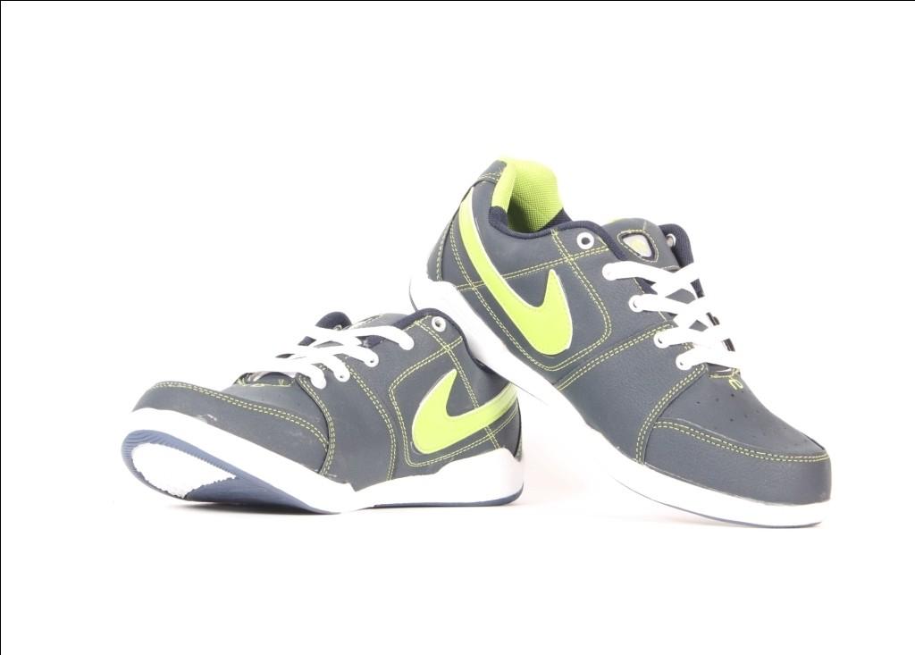 Nubon Dezire-Black-N.Green Running Shoes(Black)
