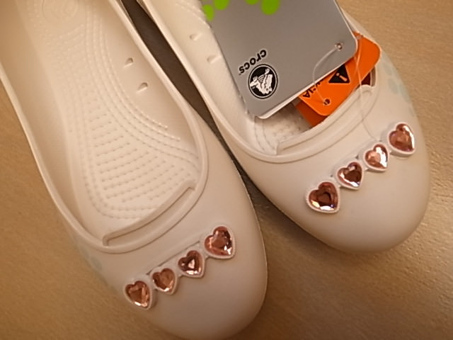 ❤敗家❤終於入手了~crocs