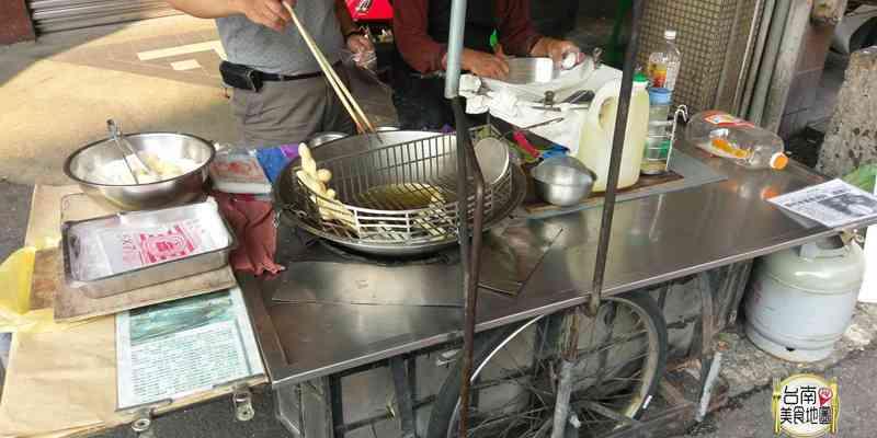 【台南-中西區美食】簡單又不平凡的傳統小吃/近40年老攤/來台南必吃/只賣半年/