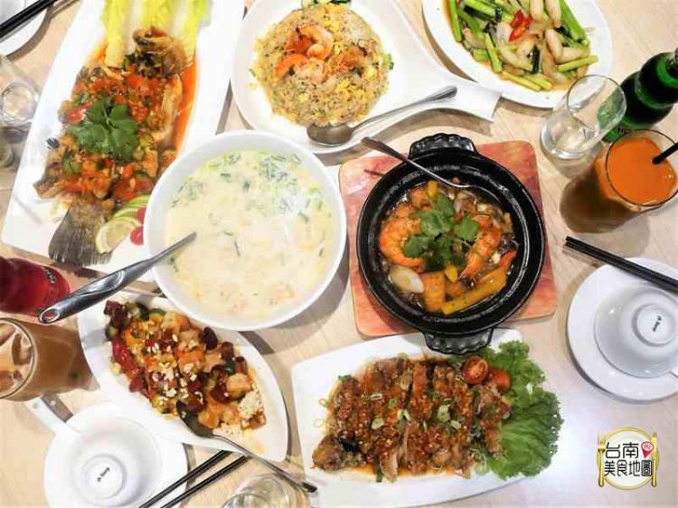 【台南-東區美食】用泰式料理的基底,延伸出台式風格的泰菜/闔家歡聚的雅緻餐廳/母親節.父親節.生日.商務聚會都適合◐∇◐*