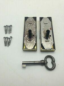 lot 4 clefs de serrure de style en fer