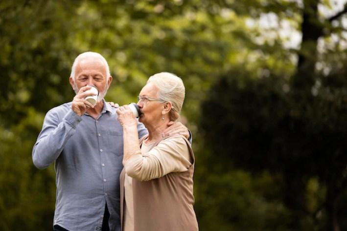 Foto Anziani Felici, oltre 800 Foto Stock Gratuite di Alta Qualità