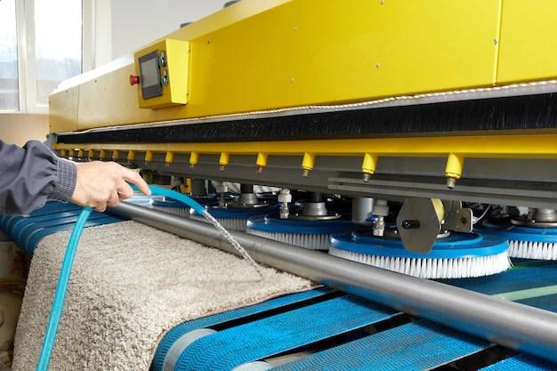 nettoyage chimique de tapis avec une
