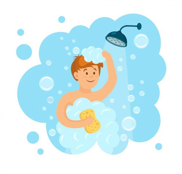 heureuse femme prenant une douche avec