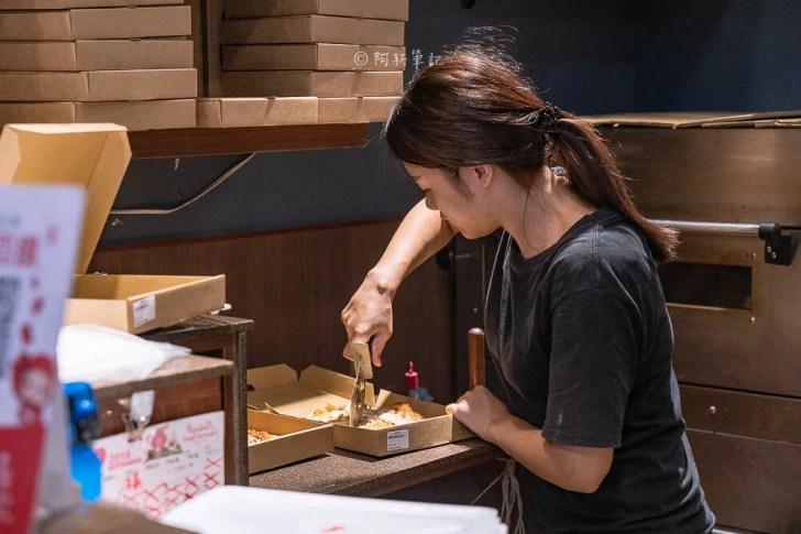 DSC05531 - pizza running 一中街美食推薦,用料實在又好吃,8吋個人獨享超爽,重點價格相當平價!