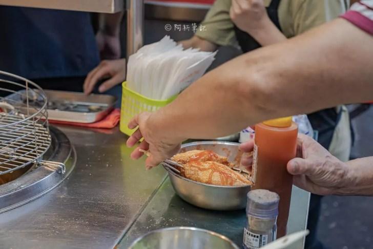 DSC05471 - 萬華丁香旗魚串 一中街銅板美食推薦,現點現做的鮮甜Q彈好滋味。
