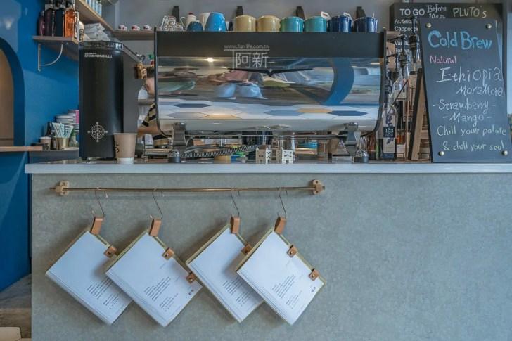 DSC07037 - Pluto Espressoria|台中南屯咖啡館,深藍色系搭寬敞空間,工業風環境超好拍。