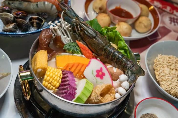 DSC02077 - 熱血採訪│港動吃鍋進軍老虎城,舊式復古香港味飄台中,第一次在茶餐廳吃鍋物,這裡太好拍