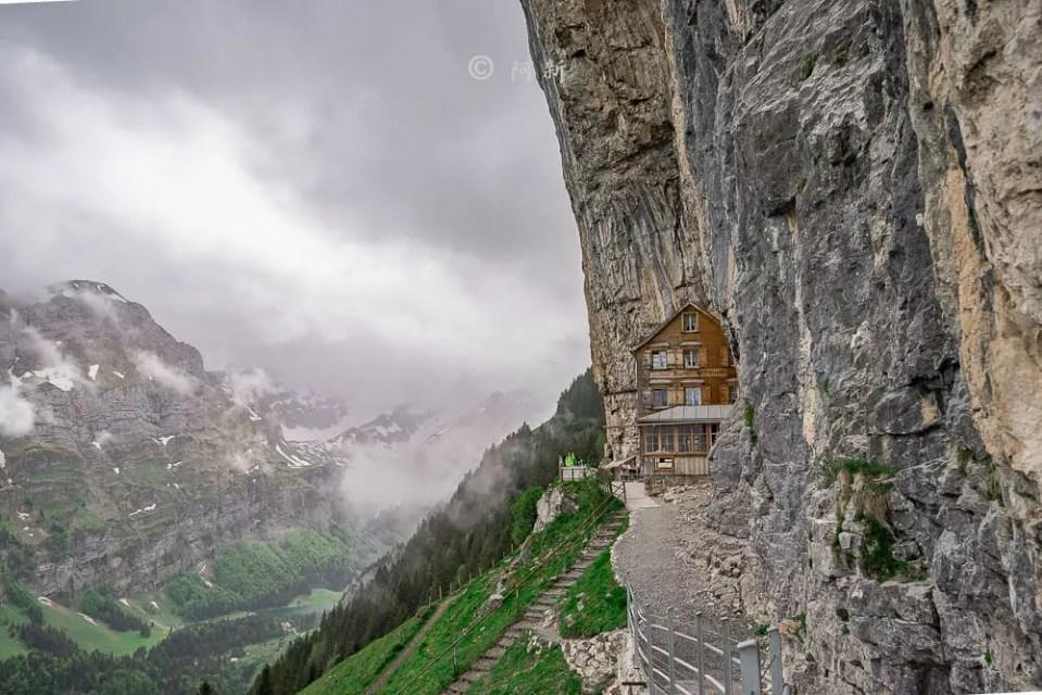 Berggasthaus Aescher,瑞士懸崖餐廳Berggasthaus Aescher Wildkirchli,瑞士懸崖餐廳,Berggasthaus Aescher Wildkirchli,瑞士山崖餐廳-37