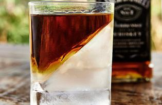 [器皿設計]減緩冰塊融化斜款酒杯