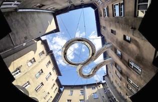 [裝置藝術]Zalewski大樓中庭溜滑梯