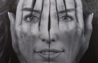 [平面設計]擬真手臉素描