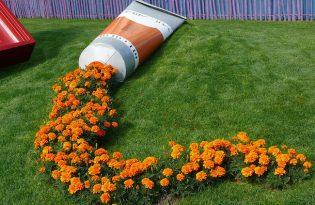 [視覺傳達]Spilled Flower Pots園藝裝置藝術