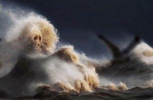 [視覺傳達]加拿大巨浪攝影集