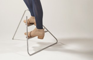 [家具設計]三角鐵腳踏折凳