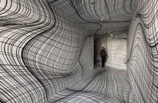 [平面設計]奧地利出品「凸凹鏡面扭曲藝術」
