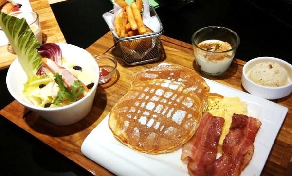 (台南。安平區美食)高CP值大份量早午餐就在『日光徐徐(台南永華店)』