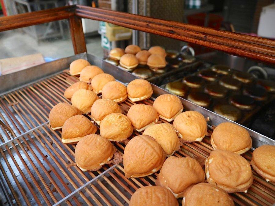 老正牌 • 阿堯師雞蛋糕:台南最美味的雞蛋糕,在地35年的古早好味道|台南武聖夜市.小北夜市必吃/午茶點心推薦