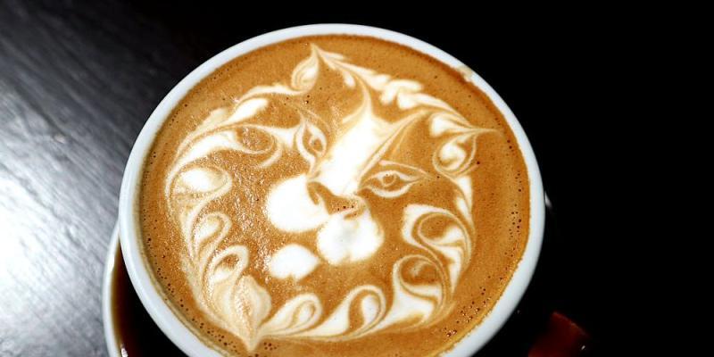 Barista_ray coffee:台南街頭就能用銅板價喝到冠軍拉花拿鐵!台南國華街商圈的外帶咖啡吧/2018咖啡拉花冠軍/拿鐵咖啡.特調咖啡.西西里檸檬咖啡.芭樂咖啡