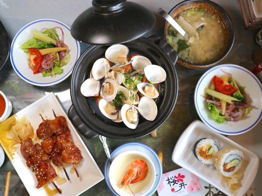 櫻井日本料理:台南平價日本料理店,火烤兩吃讓你享受火鍋和烤肉的雙重美味 高CP定食套餐,一次享受五道料理 台南日本料理.日式便當外帶外送.台南聚餐餐廳推薦