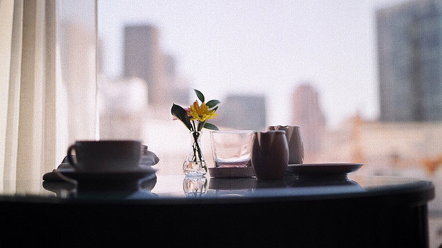 Click here to read Make Better Coffee in Your Hotel Room by Brewing It Like Tea