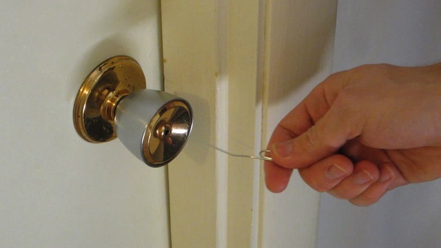open simple household locks with a paper clip | lifehacker australia
