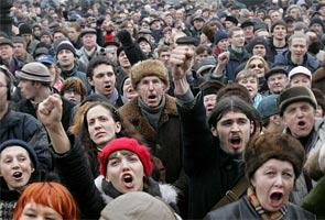 гнев Россиян и штурМЫ мэрий