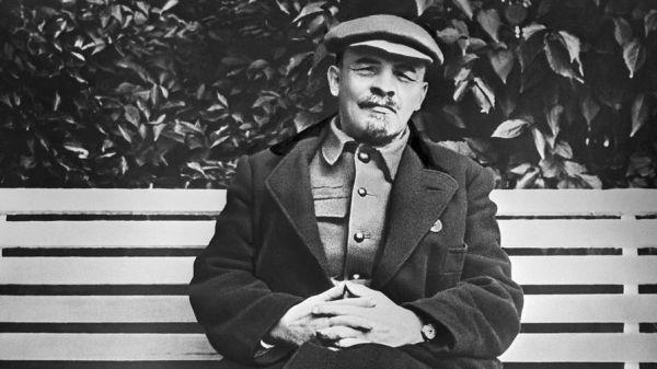 Владимир Путин негативно оценил роль Ленина в истории ...