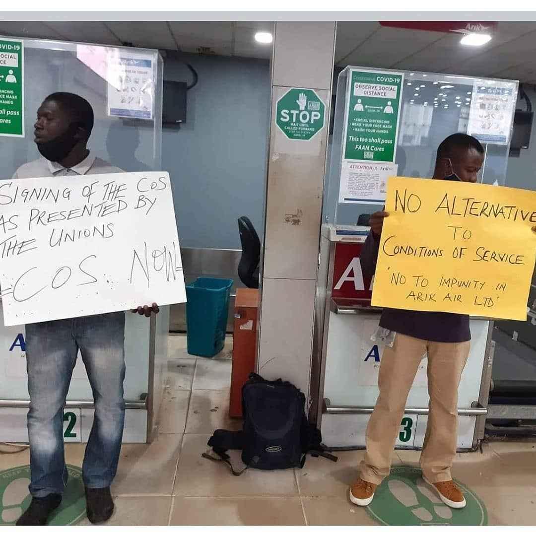Passengers Stranded As Arik Airline Staff Begins Strike Action This Morning 5