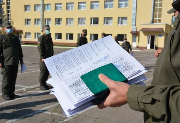 В Харькове гвардейцы поблагодарили парней, согласившихся ...
