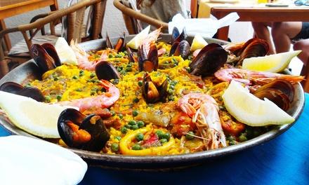 Menu spagnolo con 1 kg di paella, dolce e un litro di sangria per 2 persone allOsteria del Mare (sconto fino a 48%)