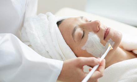 Una o 3 pulizie del viso antiage da 60 minuti al centro White Estetica (sconto fino a 80%)