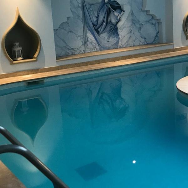 hammam sauna piscine et modelage option gommage au hammam spa les bains du temple