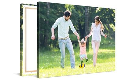 Una stampa personalizzata su tela disponibile in vari formati offerta da Photo Gifts (sconto fino a 97%)