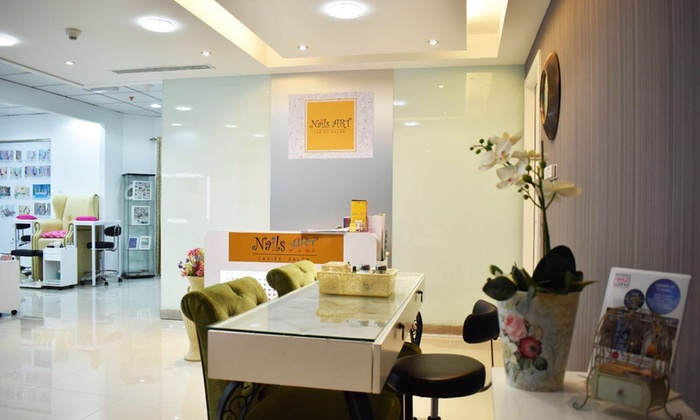 Nails Art Las Salon Dubai Gelish Manicure And Pedicure Or Gel Nail Extensions With