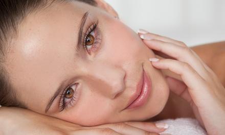 טיפול יופי הכולל עיסוי הפנים בפילינג ומסיכת הזנה ב 69 ₪ או טיפול פנים באולטרה  סאונד הכולל גם פילינג יהלום ב 89 ₪ בלבד
