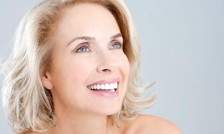 Trattamento viso antietà con botox o filler di acido ialuronico (sconto fino a 69%). Valido in 3 sedi