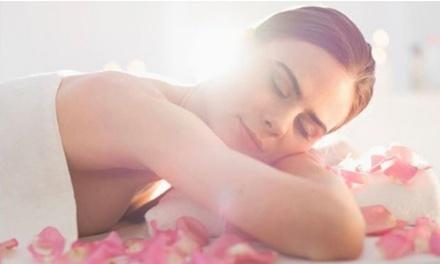 3 massaggi a scelta tra rilassante, drenante, anticellulite o hot stone al centro Beauty & Formation (sconto fino a 76%)