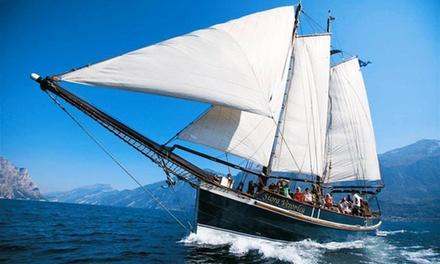 Tour di 2 ore del Lago di Garda in veliero più calice di Prosecco per una, 2 o 4 persone con Siora Veronica